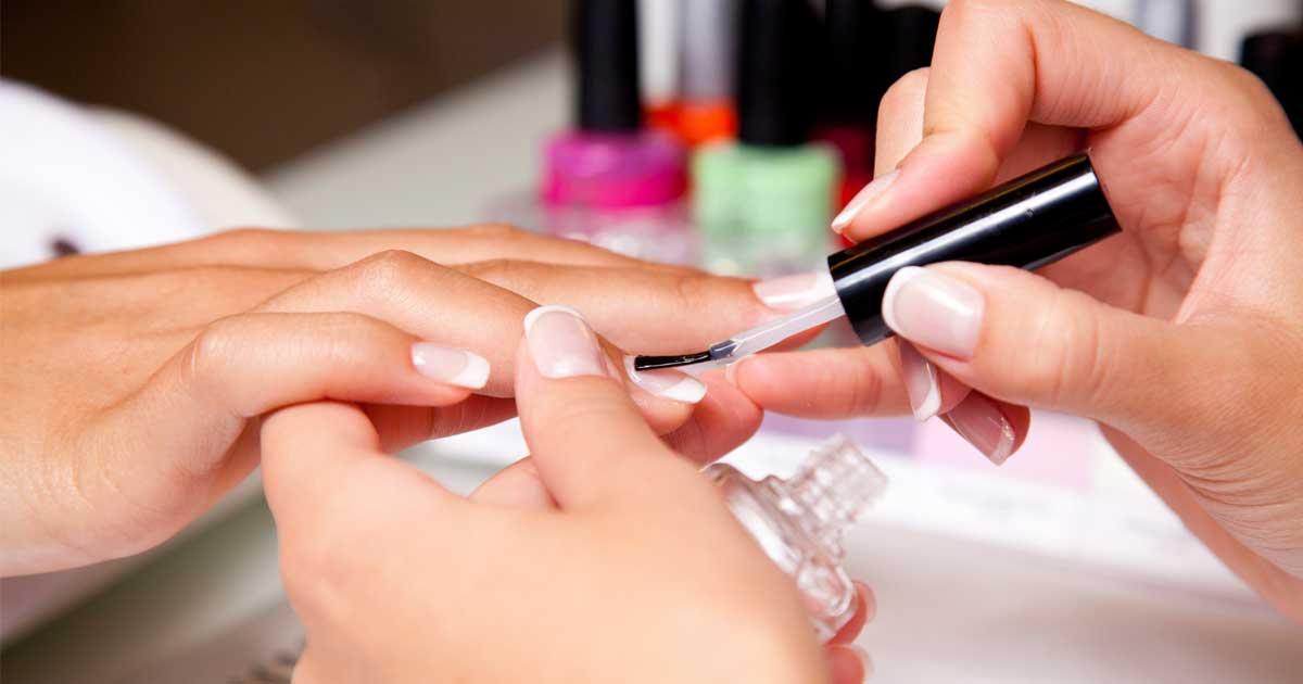 Pesadilla en el Salon de Belleza: El Manicure y Pedicure Causar ...