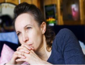 La Relación Entre Su Alimentación y Sus Niveles Hormonales y Cómo el Estrógeno Podría Protegerla de la Demencia