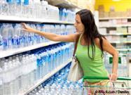 Las Peores 6 Marcas de Agua Embotellada Que Puede Comprar