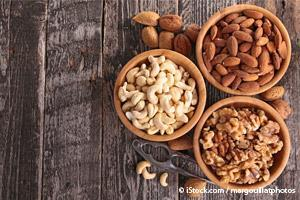 nuts for healthy diet