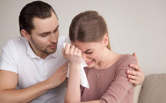 哭泣是表现屈服和脆弱的一种方式