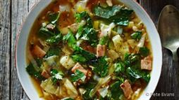 Ketogenic cabbage and bacon soup recipe
