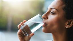 La déshydratation affecte l'eau dans votre cerveau