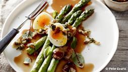 Asparagus With Soft-Boiled Eggs