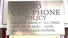 Restaurants Banning Cellphones During Meals