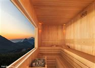 Hot Soaks and Saunas Can Relieve Pain
