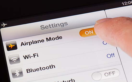 使用飞行模式可以最大限度减少 EMF 辐射
