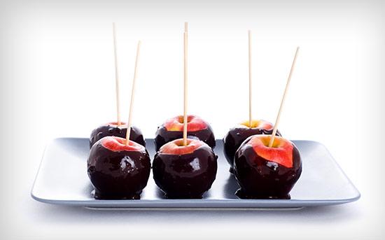 同时食用苹果和黑巧克力的健康功效