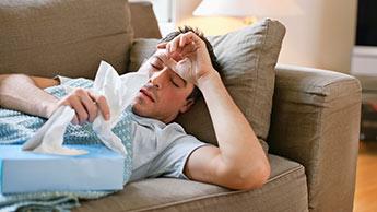 Homme avec la grippe