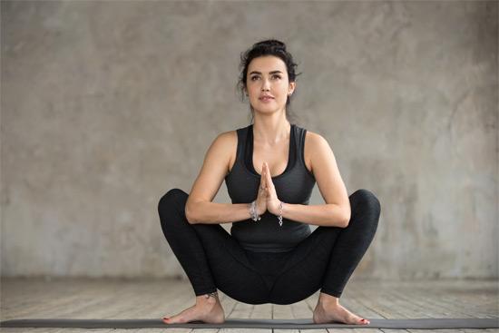 Hocken Schmerzen unterer & oberer Rücken / Übungen
