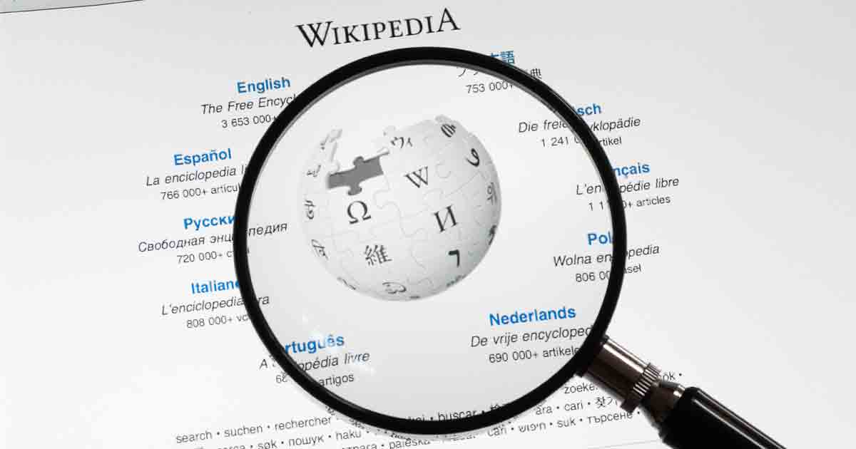 Is Wikipedia Stealing the News?