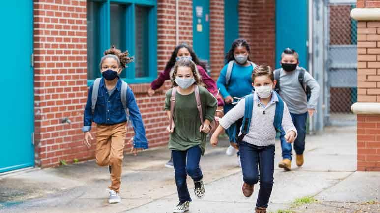 Kinder sind sicher vor COVID-19 – Warum sollten Kinder gegen COVID geimpft werden, wenn sie ein geringes Risiko haben?