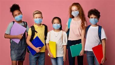 Kinderärzte entfernen Informationen über Risiken und Gefahren von Masken für Kinder