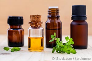 thyme leaves and essential oils