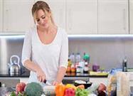 women preparing healthy foods
