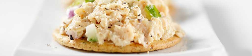 sanduíche com pasta de sardinha