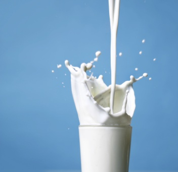 http://articles.mercola.com/ImageServer/public/2007/07--july/7.5milk.jpg