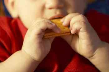 child eating, cracker