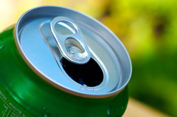 diet soda, pop, soft drinks, can