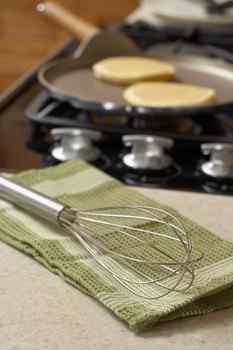 aunt jemima, pancake mix, pancakes, salmonella, poisoning, recall, quaker oats