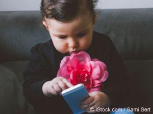 Téléphones portables et Wi-Fi: Les enfants, les fœtus et la fertilité sont-ils en danger?