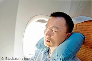旅行初日の夜に熟睡する方法が知りたいですか?