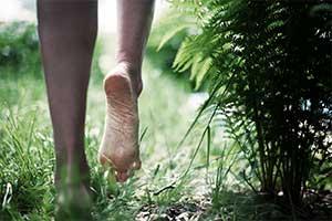 O contato com a terra é um mecanismo importante que o corpo usa para manter-se saudável