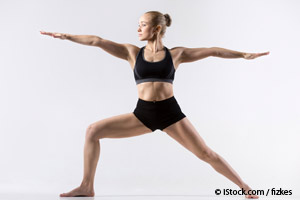 Les postures de base du yoga améliorent l'équilibre, l'humeur et la souplesse