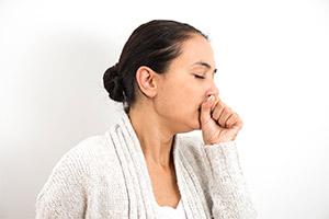检查咳嗽患者