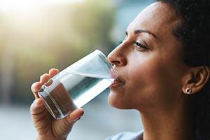 脱水症が飲む行為に影響する