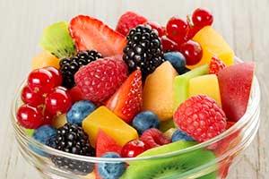 Mirtilos, Uvas, Ameixas e Maçãs Podem Estar Associados a um Menor Risco de Desenvolvimento de Diabetes Tipo 2