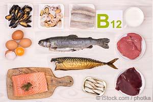 Poznaj oznaki niedoboru witaminy B12 oraz korzyści, jakie ona daje