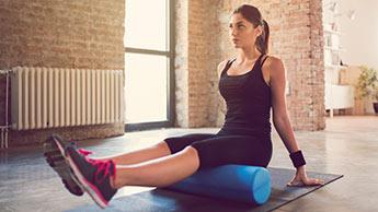 Chcesz się dowiedzieć, jak rozluźnić napięte mięśnie biodrowe?