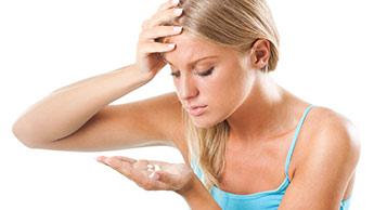 """Pílulas Anticoncepcionais: A """"Conveniência que Causa Câncer"""" que Todas as Mulheres Deveriam Evitar"""