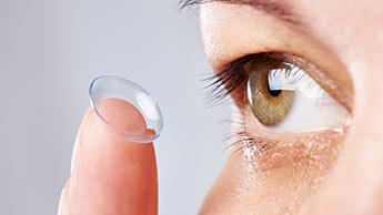 Voici à quel point vos lentilles de contact sont dégoûtantes