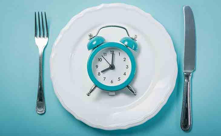 为什么将间歇性禁食与生酮饮食结合可以取得更好的效果?
