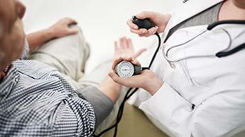 Pięć mądrych i naturalnych sposobów na obniżenie ciśnienia krwi