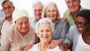 groupe de personnes âgées