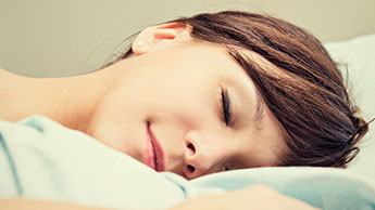Wie Sie während des Schlafs Körperfett verbrennen können