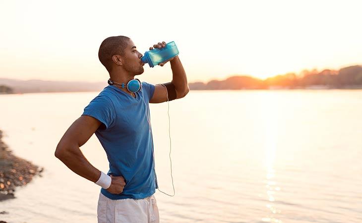 纯净水优于运动饮料