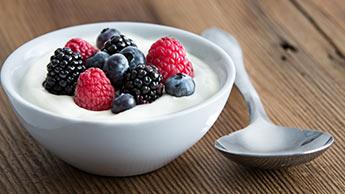 Mangez plus de yaourts pour éviter l'ostéoporose