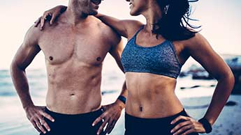 Chcesz mieć mocniejszy i bardziej umięśniony brzuch? Przestań robić brzuszki – zamiast tego, skorzystaj z poniższych wskazówek