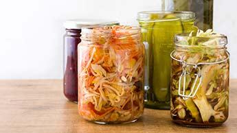 Узнайте, как приготовить культурированные овощи в домашних условиях, чтобы повысить иммуннитет