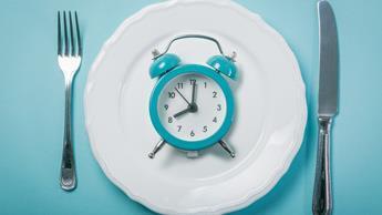 Dlaczego okresowy post jest skuteczniejszy w połączeniu z dietą ketogeniczną?