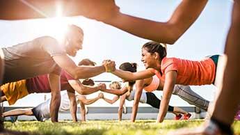 温かい天気のときの運動について10のヒント