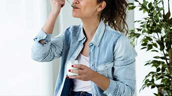 Новый отчет покажет, какие йогурты считаются здоровыми, а каких лучше избегать