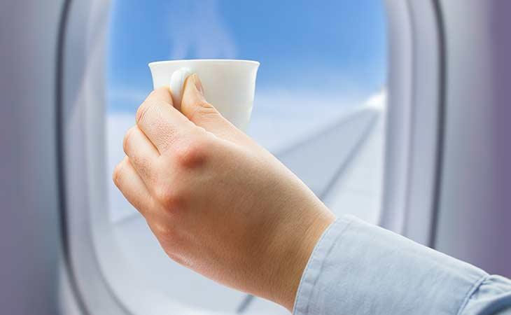 飞机上的热饮