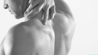 Упражнения, которые могут уменьшить боль в шеи и плечах