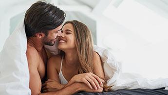 Étude : à quelle fréquence les gens heureux ont-ils des relations sexuelles ?