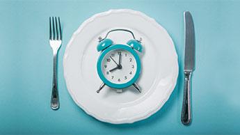 Два приема пищи в день - это идеальный вариант, но какие это приемы пищи -  решать вам